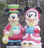 Mickey Mouse and Minne Mouse Carolers